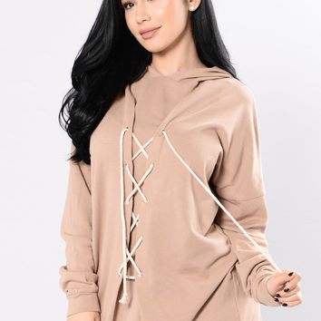 Tie By Your Side Hoodie - Mocha