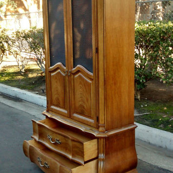 By Thomasville: Stunning Vintage French Provincial Armoire / Wardrobe/ Cabinet