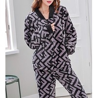 FENDI Autumn Winter Newest Fashionable Women Casual Flannel Long Sleeve Thick Pajamas Two Piece Set Grey