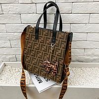 Fendi casual print high-capacity square bag, handbag, wide shoulder strap, one-shoulder cross-body bag