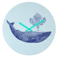 Terry Fan Damask Whale Round Clock