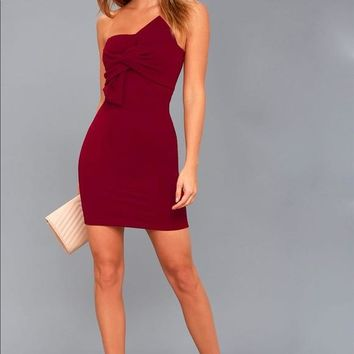 BOW 'N' ARROW BURGUNDY STRAPLESS BODYCON DRESS
