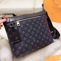 Louis Vuitton LV New fashion monogram tartan leather shoulder bag crossbody bag briefcase