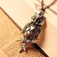 Retro Classical Fancy Bronze-plated Metal Necklace&owl Silver-plated Metal Black Rhinestone Pendant P0974