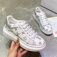 LV Louis Vuitton new all-match printed letters breathable flat shoes