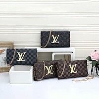 Louis Vuitton LV new presbyopia lattice wild long one-shoulder messenger chain wallet