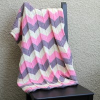 Knit baby blanket in chevron pattern, newborn blanket, baby shower gift