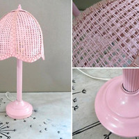 Pink Lamp, Underwriters Laboratories Lamp Vintage Table Lamp Wicker Lamp Shade Pink Shabby Chic Lamp Retro Home Decor Girls Room