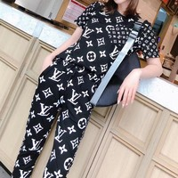 """""""LOUIS VUITTON"""" Women's Leisure  Fashion Letter Printing Short Sleeve Trousers Two-Piece Casual Wear"""