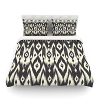 "Amanda Lane ""Black Cream Tribal Ikat"" Queen Cotton Duvet Cover - Outlet Item"