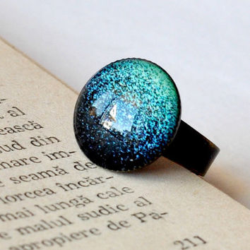 Ombre Green Adjustable Glitter Ring, Antiqued Brass Glass Dome Ring, Glass Cabochon Jewelry