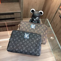 LV Louis Vuitton Men's Casual All-match Clutch Wash Bag