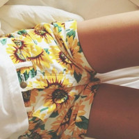 Summer Fashion High Waist Vintage Sunflower Shorts Girl's Denim cowboy Shorts Plus European and American style Casual Shorts