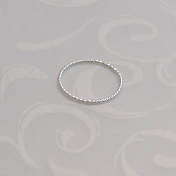 Twisted Wire Small Stacking Ring, Sterling Silver, Thin Ring, Shiny or Oxidized, Delicate Stack Jewellry, Twisted Silver Ring