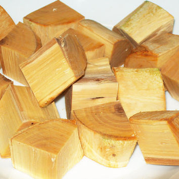 CHUNKS Apple Wood Applewood For Smoking Meat, BBQ Grilling, Cooking - No Bark - 1 Pound - Malus