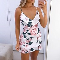 Womens Sexy V Neck Summer Dress Floral Printed Strappy Mini Dress Ladies Ruffle Summer Beach Party Dresses Casual beach dresses
