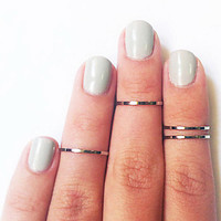 CLEARANCE Set of 4 silver tone midi knuckle rings- 14mm/15mm/16mm- gypsy, boho, eclectic hand jewelry- toes too
