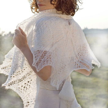White Hand knitted shawl wedding bridal lovely handmade lace chic elegant scarf stole