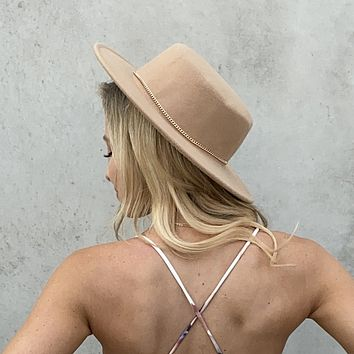 Day Trip Gold Chain Wool Hat in Light Camel