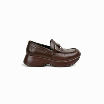 Vintage 90s Brown Platform Loafers with Ring Buckles / Brown Leather Shoes / 90s Steve Madden Shoes - women's 9