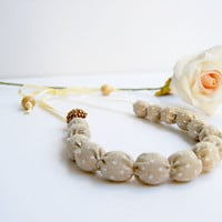 Fabric necklace cream beige
