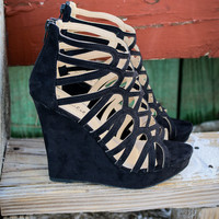 SZ 5.5 Race To The Finish Black Strappy Caged Wedges