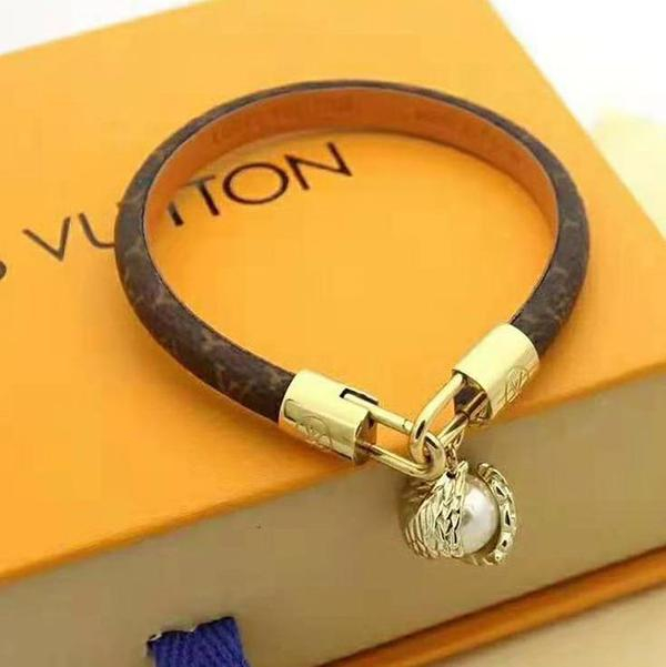 Image of LV Louis Vuitton Newest Fashion Women Retro Pearl Leather Bracelet Hand Catenary Jewelry