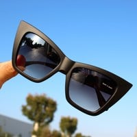QUAY X SHAY MITCHELL Vesper sunglasses - black