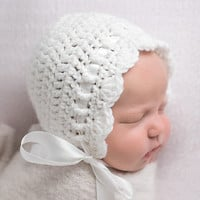 Baby Bonnet, Baby Girl Bonnet, Baby Girl Clothes, Coming Home Outfit,  Baby Gift,  Infant Hat,  Newborn Bonnet, Baby Clothes  SS-b300