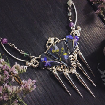 Forest Witch Triangle Crystal Necklace with real dried wild flowers in the crystal resin, natural crystal, gothic necklace, boho jewelry,