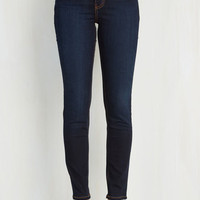 Vintage Inspired Skinny Front Row Fashionista Jeans in Dark Wash