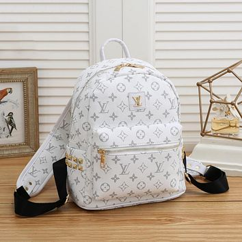 Louis Vuitton LV new men's and women's wild letter printing large-capacity backpack
