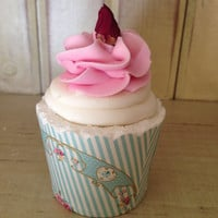 Country Rose Cupcake Bubble Bath Bomb with Sugar Scrub Frosting All Natural Bath Bomb - Stocking Stuffer