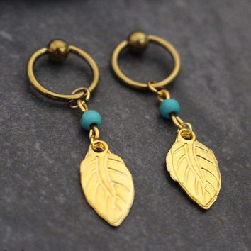Leaf Captive Bead Ring in Gold