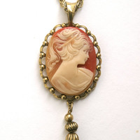 Vintage Cameo Pendant Necklace with Chain Tassel