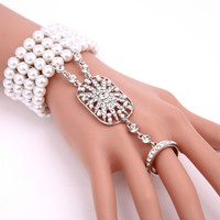 Cute with the same type of hand ornaments, rings, one chain