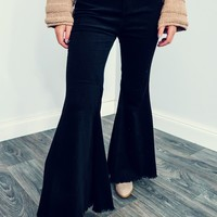 Dare To Flare Pants: Black