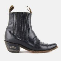 El General Pointed Chelsea Leather Ankle Boots