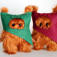 Star Wars 2 Ewok Fur.12cm. Dark Red and Green.