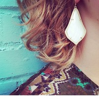 Alexandra Earrings in White Pearl - Kendra Scott Jewelry