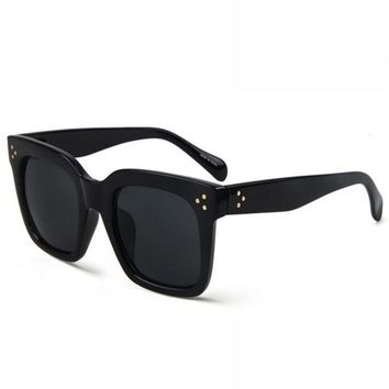 Kara Sunglasses // Black