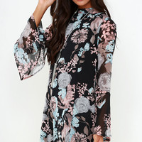 Like and Cher Black Floral Print Shift Dress