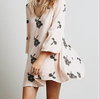 Pink Long Sleeve Backless Embroidered Dress