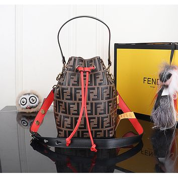 FENDI WOMEN'S LEATHER MON TRéSOR BUCKET HANDBAG INCLINED SHOULDER BAG
