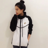 Nike Women Favorite Hooded Black/White Sweatshirt Jacket Coat Windbreaker Sportswear