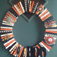 Decorative Clothes Pin Halloween Themed Wreath, hand painted clothes pins