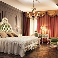 Double bed with upholstered headboard 11207 Villa Venezia Collection by Modenese Gastone group