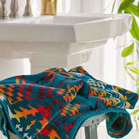 Pendleton Thunder And Earthquake Oversized Jacquard Towel