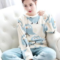 Mujer Thickened Sleeping Penguin Coral Fleece Pajamas