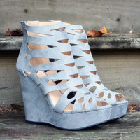 SZ 6 Walk The Walk Ash Grey Wedges